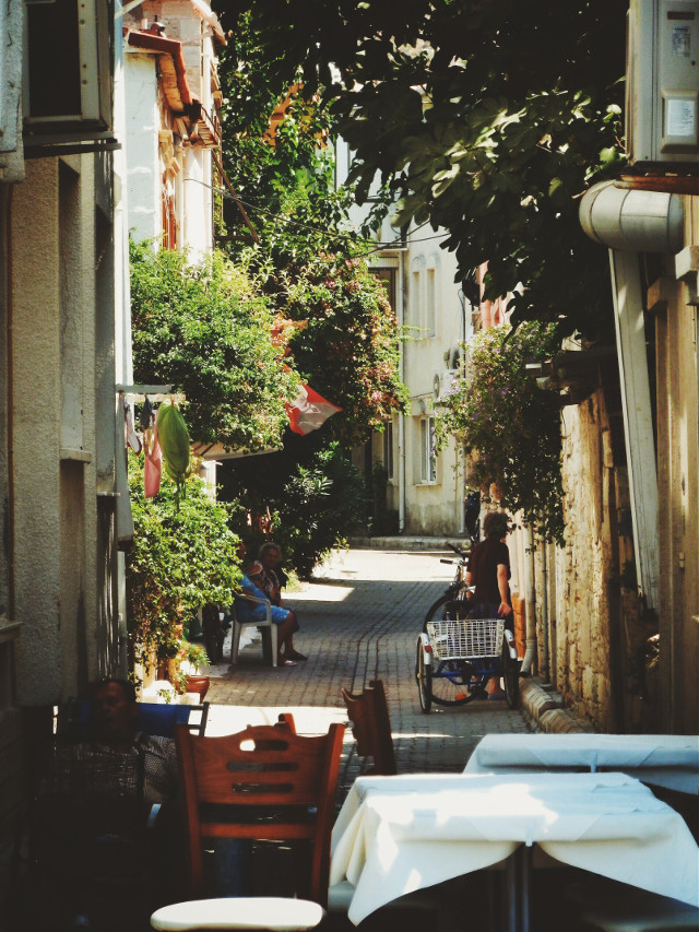 the sleeping beauty on the left below :D its the beautiful streets of Phokaia again week in review 01.09.2014